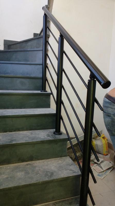 Corrimão de Escada Externa Embu - Corrimão de Escada de Alumínio