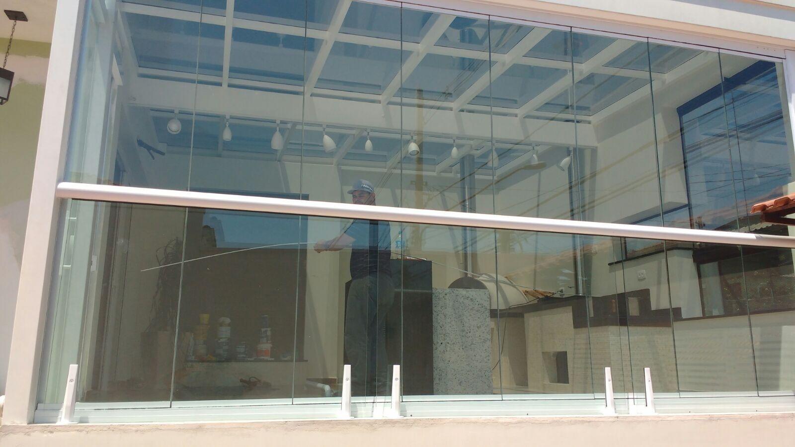 Draçar Sacada com Vidro Quanto Custa na Santa Efigênia - Envidraçamento de Sacadas em São Caetano