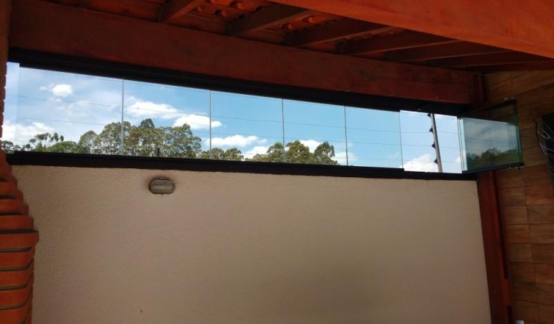 Fechamento de Sacada Deslizante ABCD - Fechamento de Sacada com Vidro Reflexivo