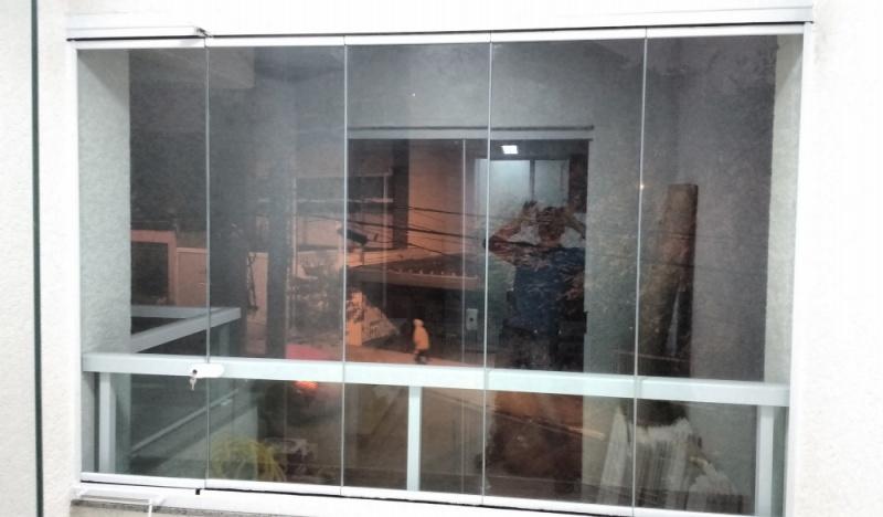 Fechamento de Sacada Pequena Bixiga - Vidros para Fechamento de Sacadas