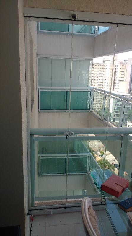 Fechamento de Sacadas de Vidro Preço Itaquaquecetuba - Fechamento de Sacada com Vidro