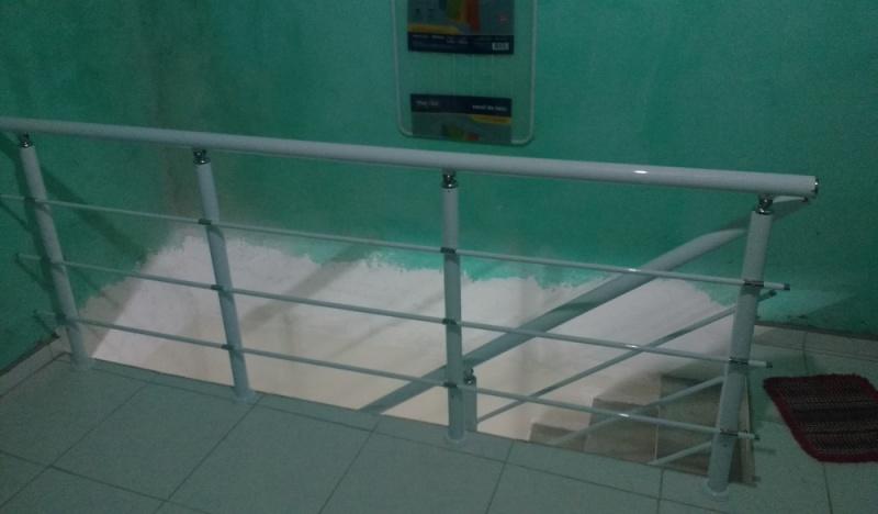 Guarda Corpo de Vidro de Escada Biritiba Mirim - Instalação de Guarda Corpo de Vidro