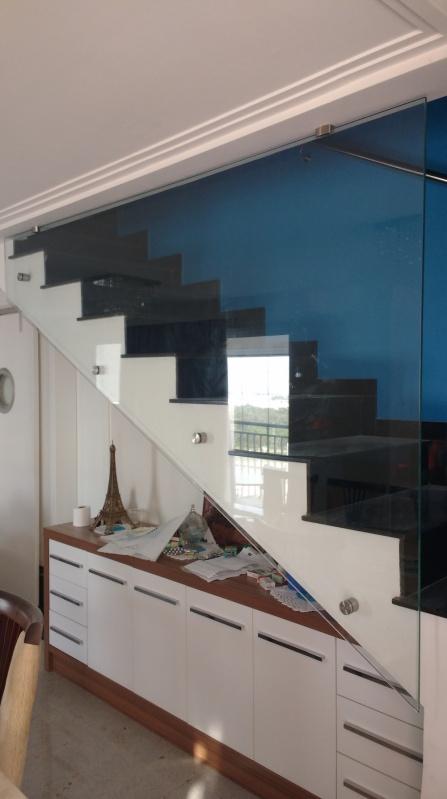 Guarda Corpo de Vidro Para Escada Biritiba Mirim - Instalação de Guarda Corpo de Vidro