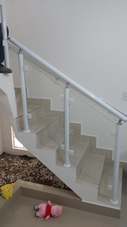 Instalação de Guarda Corpo de Vidro Bom Retiro - Guarda Corpo para Escada Caracol