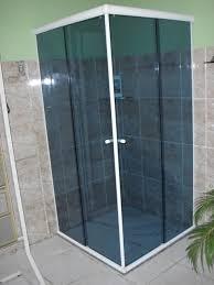 Box de vidro para banheiro com vidro escuro