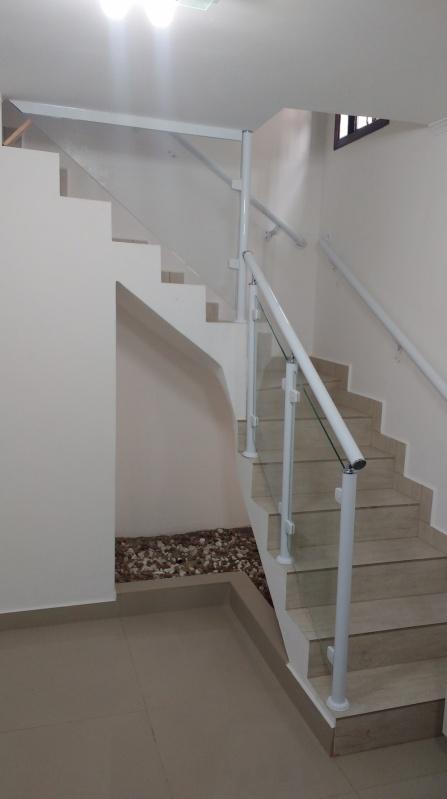 Orçamento de Corrimão de Escada de Alumínio e Vidro Mogi das Cruzes - Corrimão de Vidro para Escada Externa