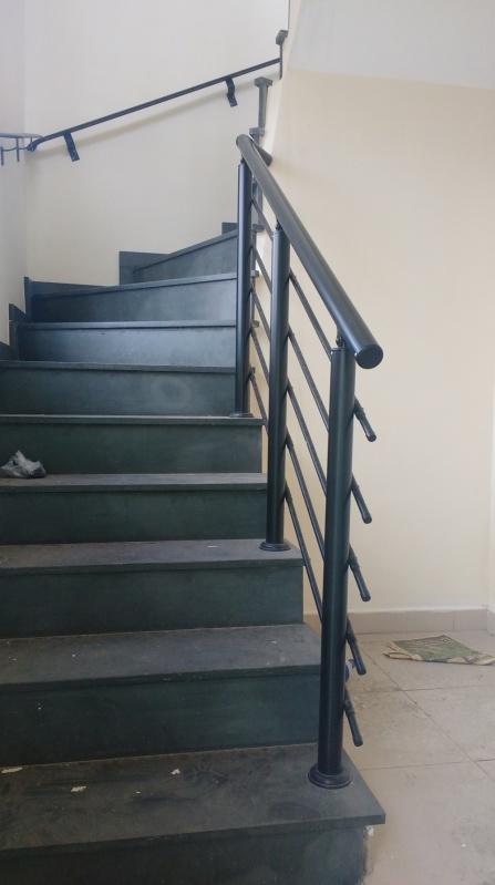 Orçamento de Guarda Corpo de Vidro Para Escada Embu das Artes - Guarda Corpo de Vidro para Construção Civil