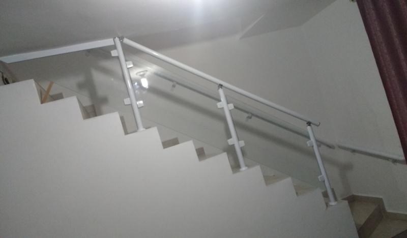 Quanto Custa Guarda Corpo de Vidro para Piscina ARUJÁ - Guarda Corpo de Vidro de Escada