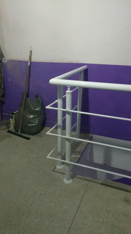 Quanto Custa Instalação de Guarda Corpo de Vidro ARUJÁ - Guarda Corpo para Escada Caracol