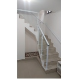 corrimão de escada de alumínio e vidro preço Aclimação